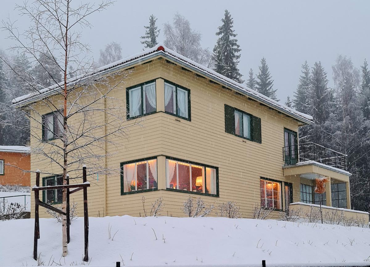 Dronning Sonjas barndomshjem på Maihaugen på vinteren.
