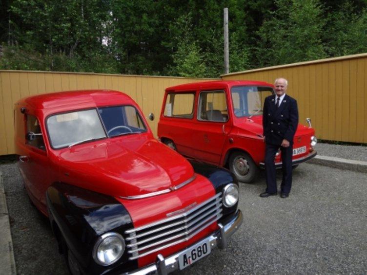 Postbiler foran Postmuseet på Maihaugen, Lillehammer.