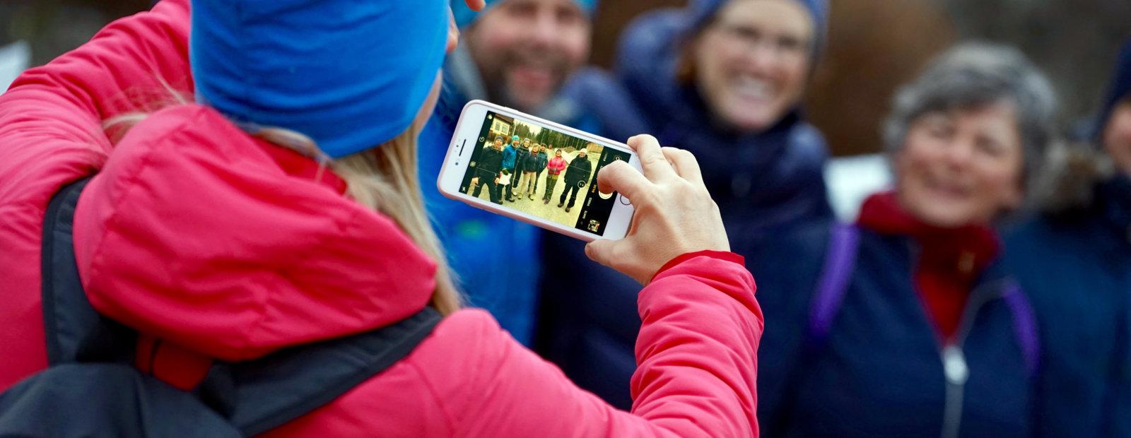 Det tas lagbilde på Maihaugen. Foto: Esben Haakenstad