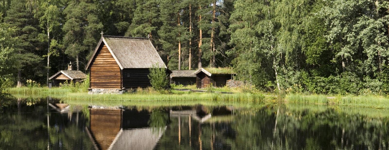 Fiskerkapellet ved Breisjøen i friluftsmuseet Maihaugen på Lillehammer.