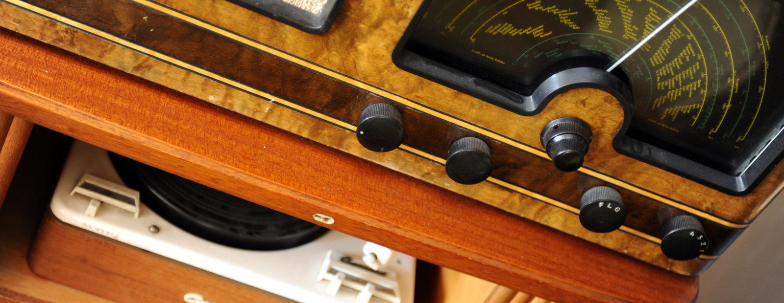 Gammel radio fra 50-tallet på Maihaugen, Lillehammer.