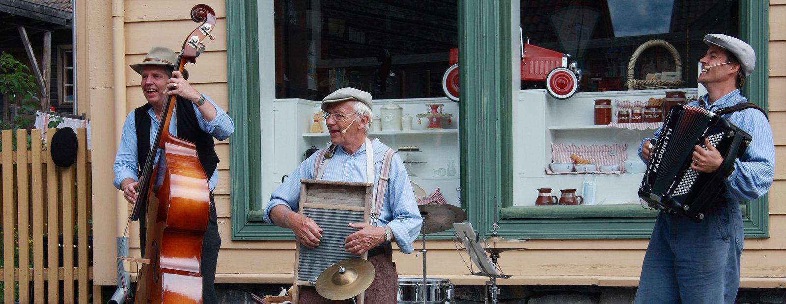 Musikere i byen på Maihaugen, Lillehammer