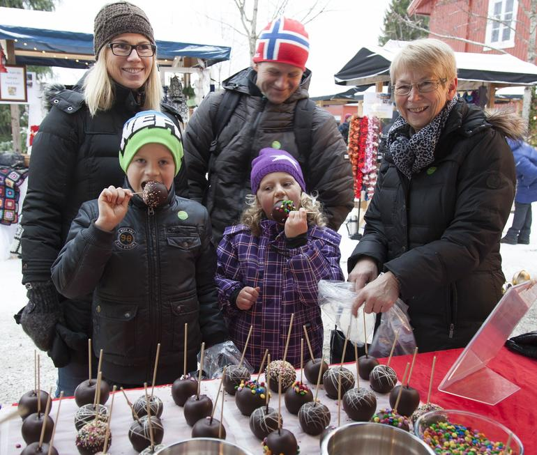 Gode glaserte epler på julemarked Maihaugen