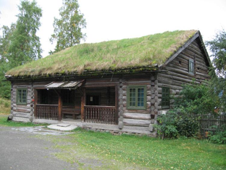Prestegarden på friluftsmuseet Maihaugen på Lillehammer.