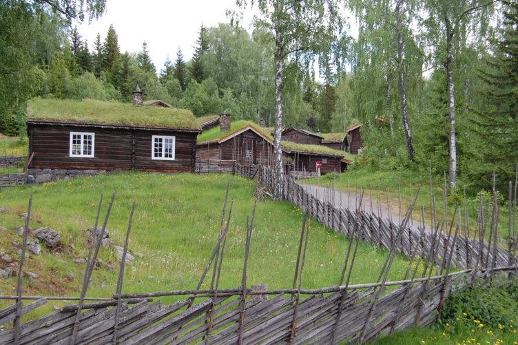 Skolestua på friluftsmuseet Maihaugen på Lillehammer.