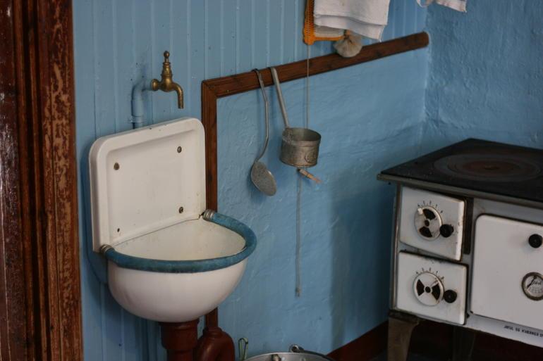 utslagsvask på gammelt kjøkken